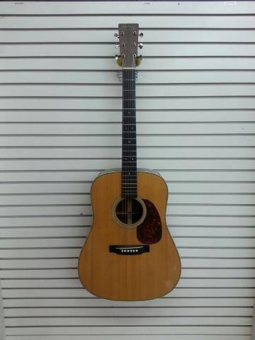 Martin HD-28V Acoustic Guitar